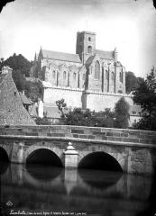 Eglise Saint-Martin - Ensemble sud, pris de la rivière
