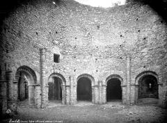 Ruines de la rotonde dite Temple de Lanleff - Vue intérieure de la rotonde