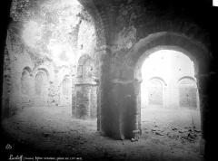 Ruines de la rotonde dite Temple de Lanleff - Vue intérieure de la galerie est
