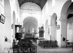 Eglise Saint-Genest - Vue intérieure de la nef vers le choeur