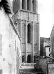Eglise Saint-Pierre - Clocher, côté ouest : Partie inférieure