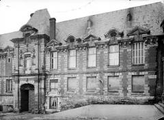 Ancien palais épiscopal, actuellement palais de justice - Façade