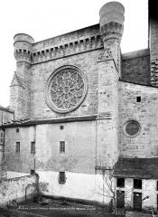 Ancienne cathédrale, actuelle église paroissiale Saint-Fulcran - Façade ouest fortifiée