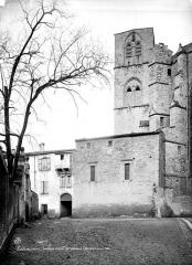 Ancienne cathédrale, actuelle église paroissiale Saint-Fulcran - Clocher et évêché