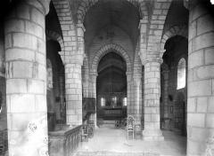 Eglise Saint-Julien - Vue intérieure de la nef vers le choeur