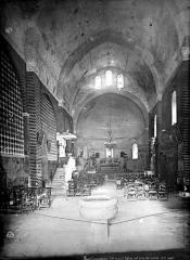 Eglise Saint-Christophe des Templiers - Vue intérieure de la nef vers le choeur