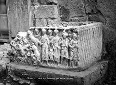 Eglise - Sarcophage gallo-romain