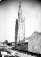 Eglise Saint-Pierre - Clocher, côté sud-est