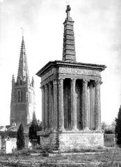 Croix de cimetière - Côté sud-ouest