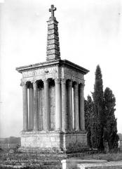 Croix de cimetière - Côté nord-est