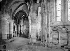 Eglise - Vue intérieure du déambulatoire