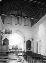 Eglise Saint-Martin de Namps-au-Val - Vue intérieure de la nef, vers le choeur