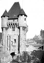 Porte du Croux - Côté des fossés