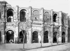 Amphithéatre ou Arènes - Façade extérieure, côté est