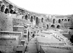 Amphithéatre ou Arènes - Vue intérieure, côté est