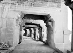 Amphithéatre ou Arènes - Vue intérieure de la galerie du premier étage