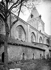 Abbaye - Eglise : façade nord