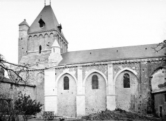 Abbaye - Eglise : clocher et façade sud