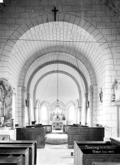 Eglise Notre-Dame£ - Vue intérieure de la nef, vers le choeur