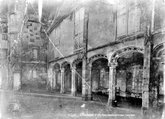 Château d'O - Cour : Galerie