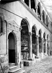 Maison dite de François Ier ou hôtel Toutin - Façade sur cour : galerie d'arcades