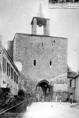 Remparts - Porte de l'Horloge : Côté de l'entrée