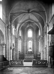 Eglise Saint-Julien-le-Pauvre - Vue intérieure de la nef, vers le choeur