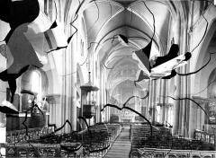Eglise Saint-Pierre-de-Montmartre - Vue intérieure de la nef, vers le choeur