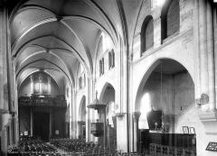 Eglise Saint-Pierre-de-Montmartre - Vue intérieure de la nef, vers le nord-ouest