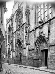 Eglise Saint-Jean - Façade ouest en perspective : partie inférieure