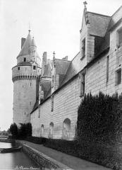 Château du Plessis-Bourré - Façade est en perspective