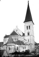 Eglise abbatiale bénédictine Saint-Pierre - Ensemble est