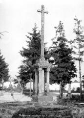 Croix du 12e siècle - Vue d'ensemble
