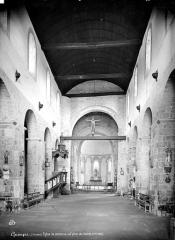 Ancien prieuré de Locmaria, ancienne caserne Emeriau - Eglise : Vue intérieure de la nef, vers le choeur