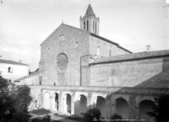 Eglise Saint-Pierre - Ensemble sud-ouest et cloître