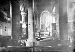 Eglise de l'Assomption - Vue intérieure de la nef, vers le choeur