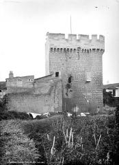 Enceinte fortifiée - Porte de Ville