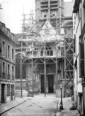 Ancienne église Saint-Laurent - Portail de la façade sud