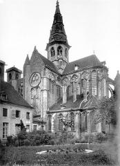 Eglise (collégiale) Notre-Dame - Façade sud : transept et chevet