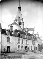 Eglise Notre-Dame la Blanche - Ensemble nord-est pris d'une rue