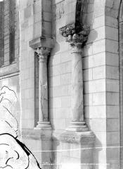 Eglise Notre-Dame la Blanche - Portail de la façade ouest : colonnes de gauche