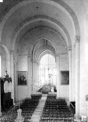 Eglise Notre-Dame-de-Nantilly - Vue intérieure de la nef prise de la tribune