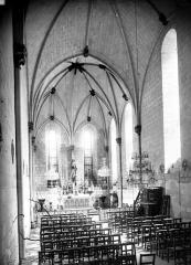 Chapelle Saint-Jean - Vue intérieure de la nef, vers le choeur