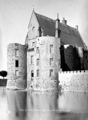 Château - Tours d'angle