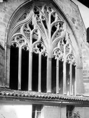 Eglise Saint-Pierre - Abside : fenêtre