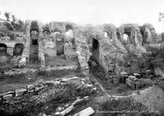 Restes de l'amphithéâtre gallo-romain - Galerie restaurée
