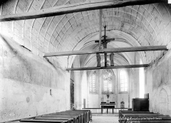 Chapelle Saint-Genoulph - Vue intérieure de la nef, vers le choeur