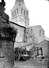 Eglise abbatiale Saint-Amand - Façade sud : Transept et clocher