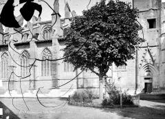 Ancienne abbaye, actuellement hôtel de ville - Eglise : Façade sud