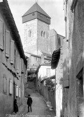 Ancienne cathédrale Notre-Dame - Clocher pris d'une rue, côté sud-ouest